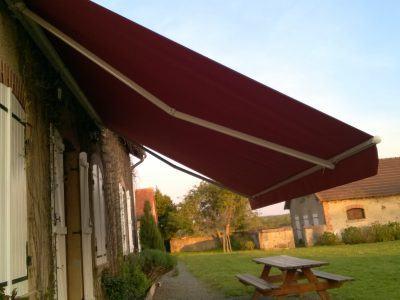 Un store banne pour embellir votre terrasse